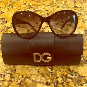 Gorgeous Dolce & Gabbana Sunglasses 🕶